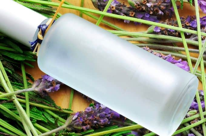 DIY Lavender Linen Spray Recipe